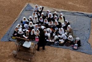 وضعیت دردآور اطفال محروم افغانستانی
